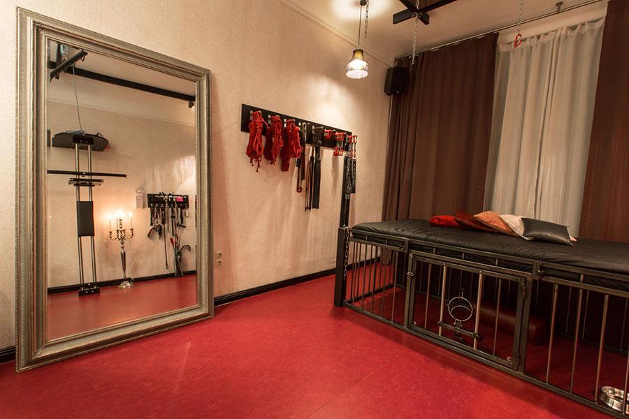 Studio Lux - Dominastudio Bizarrstudio - Berlin